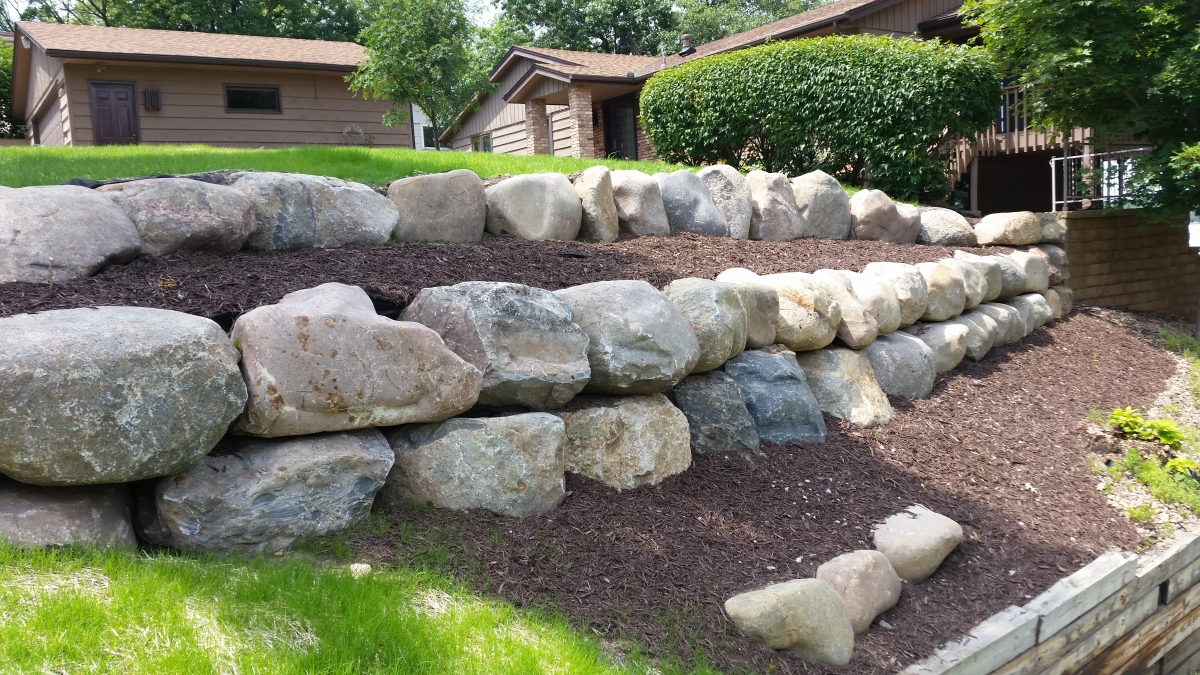 how to build a retaining wall with big rocks